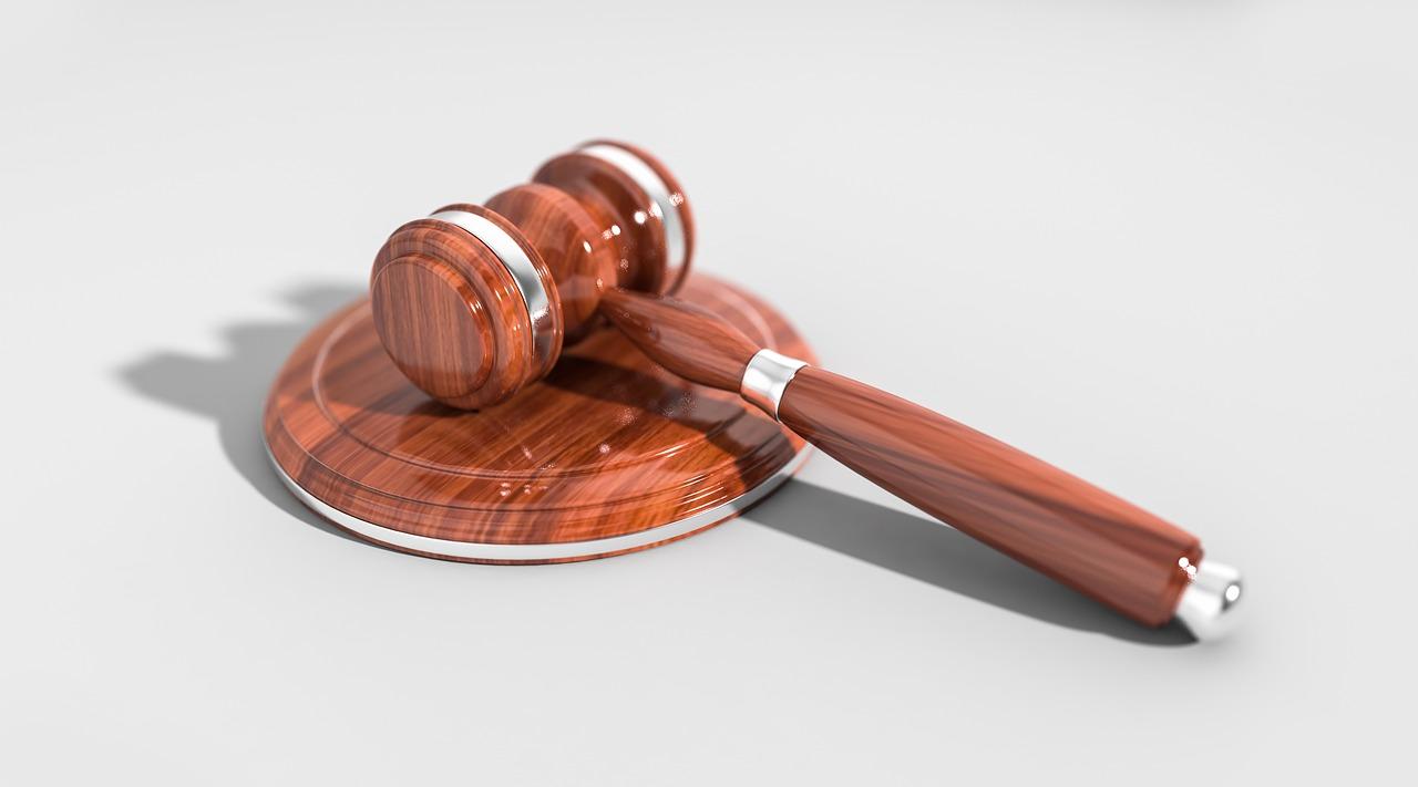 gavel, auction, law-2492011.jpg